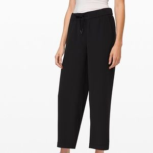 Lululemon On The Fly Wide-Leg 7/8 Pant Woven